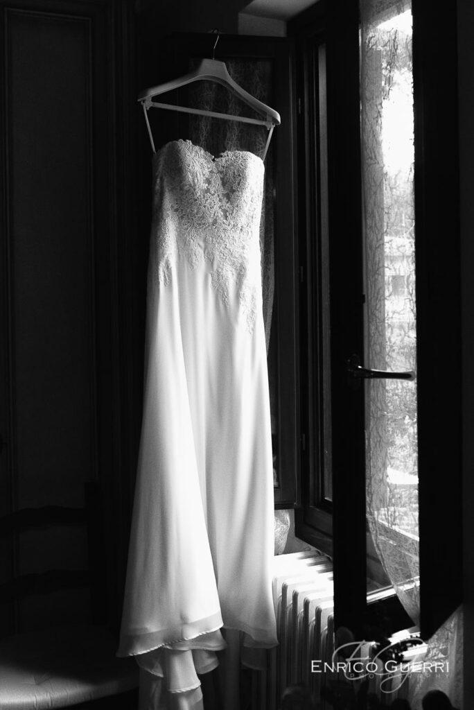 Servizio fotografico di matrimonio Arezzo sontuoso abito da sposa