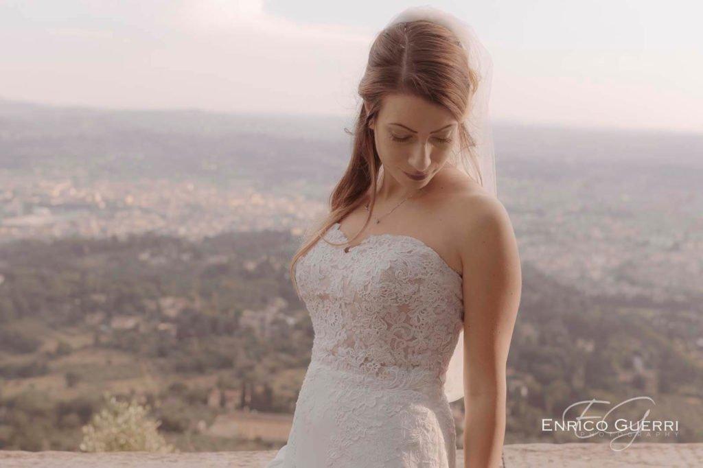 servizio fotografico di matrimonio Firenze abito sposa ed acconciatura